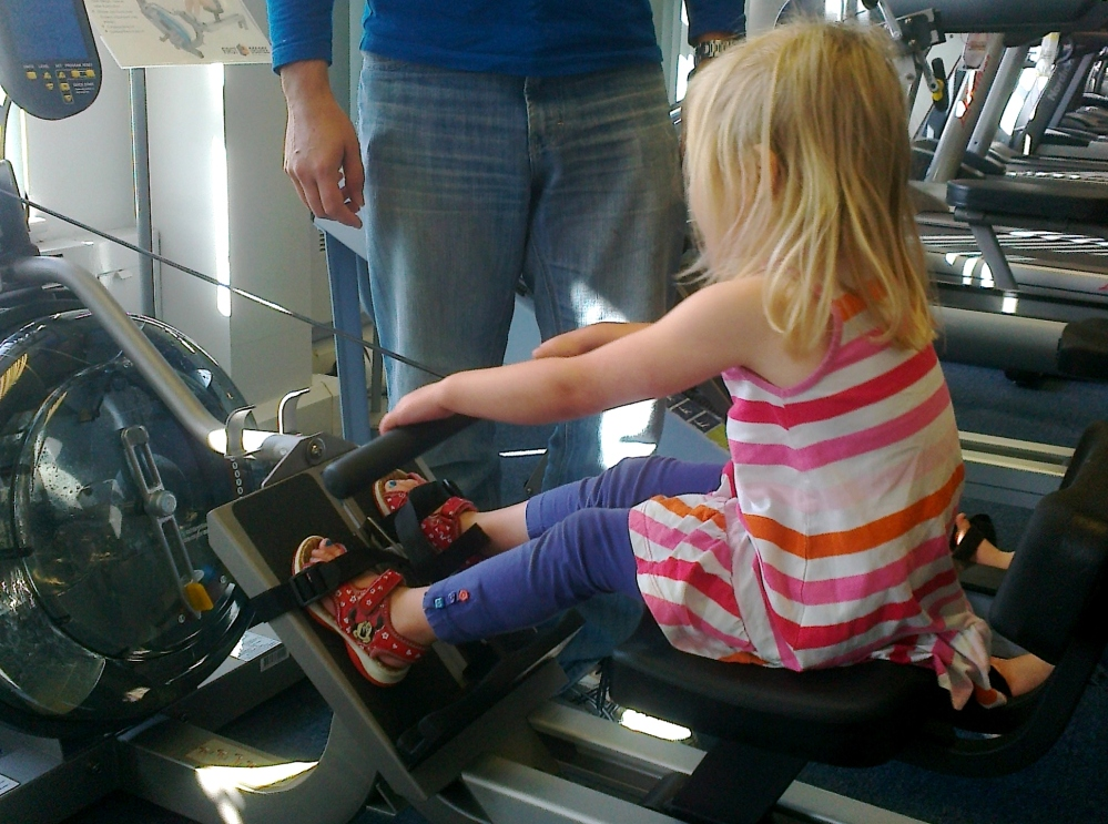 Learning to row and little ones growing up