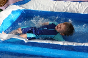Dive-bombing the paddling pool