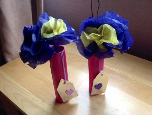 Paper flowers (Mummy to the rescue!)