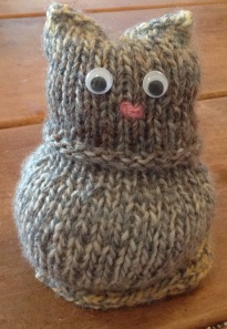 A knitted cat