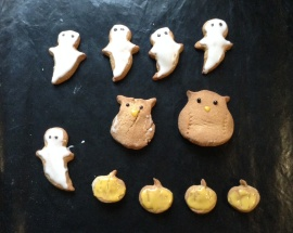 Halloween cookies (made without cutters)